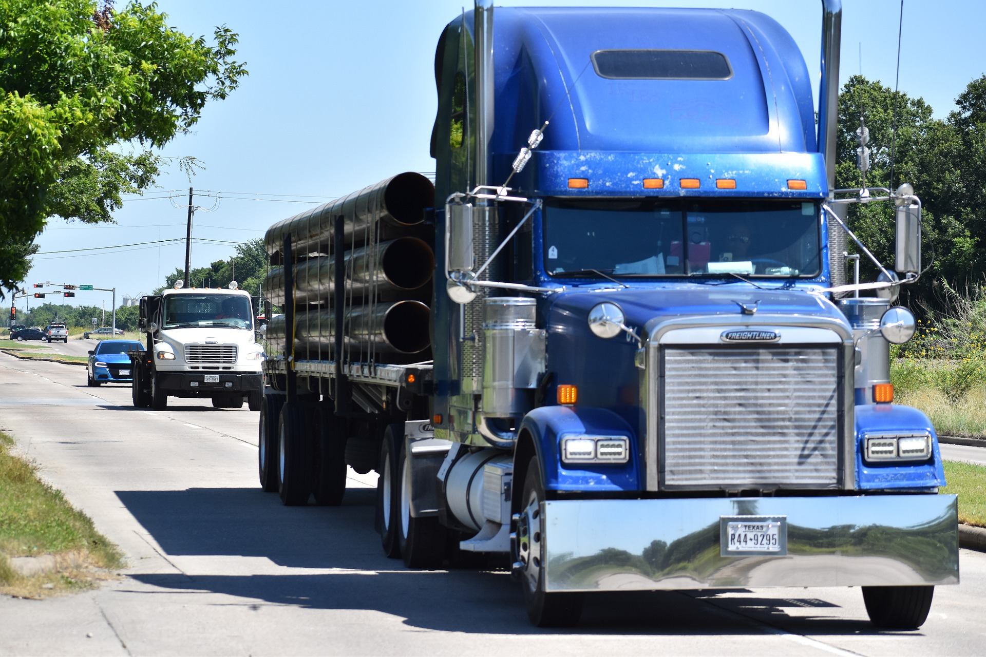 OWNER OPERATOR LAND WEEKLY TRUCKING NEWS DIGEST #42