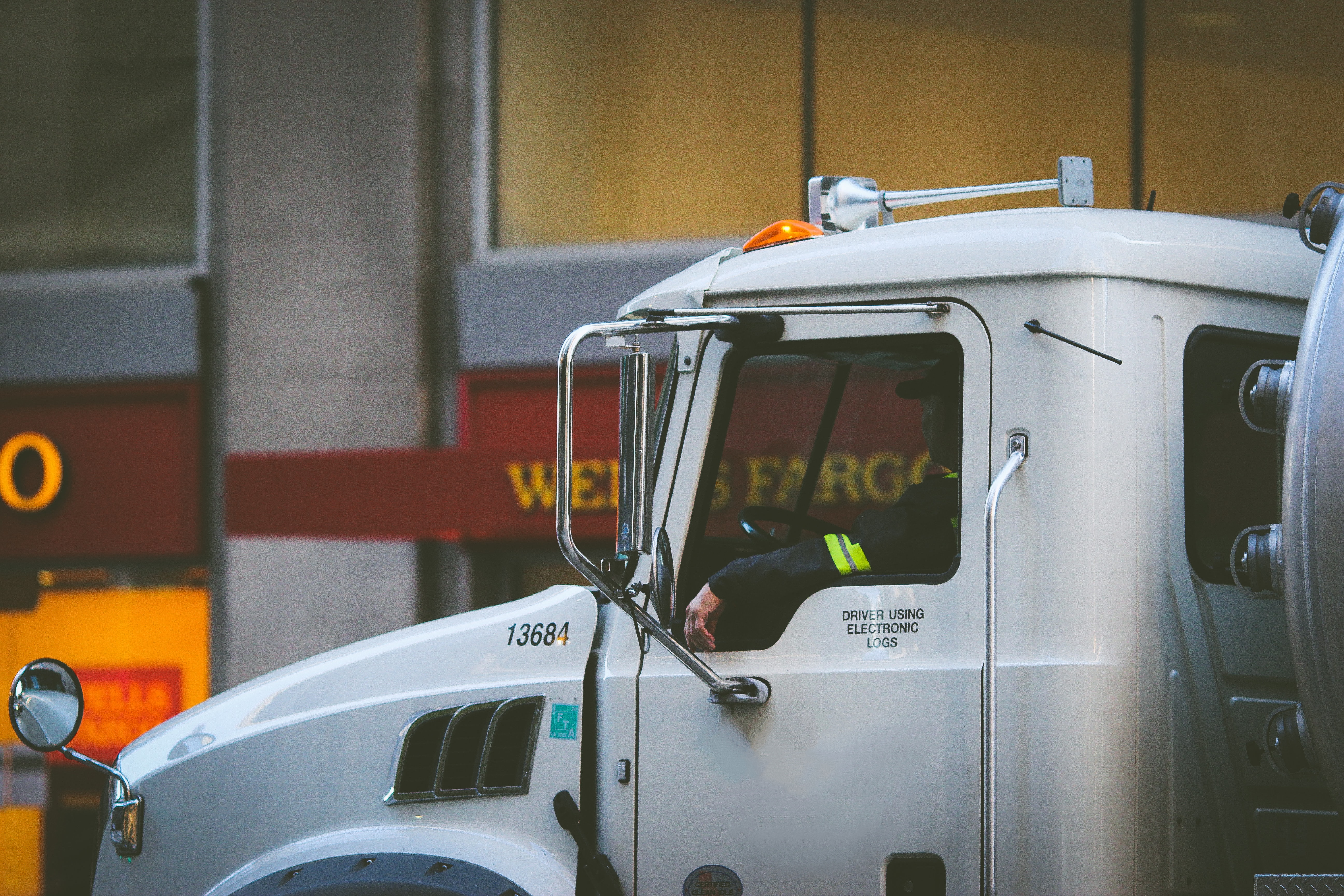 OWNER OPERATOR LAND WEEKLY TRUCKING NEWS DIGEST #78